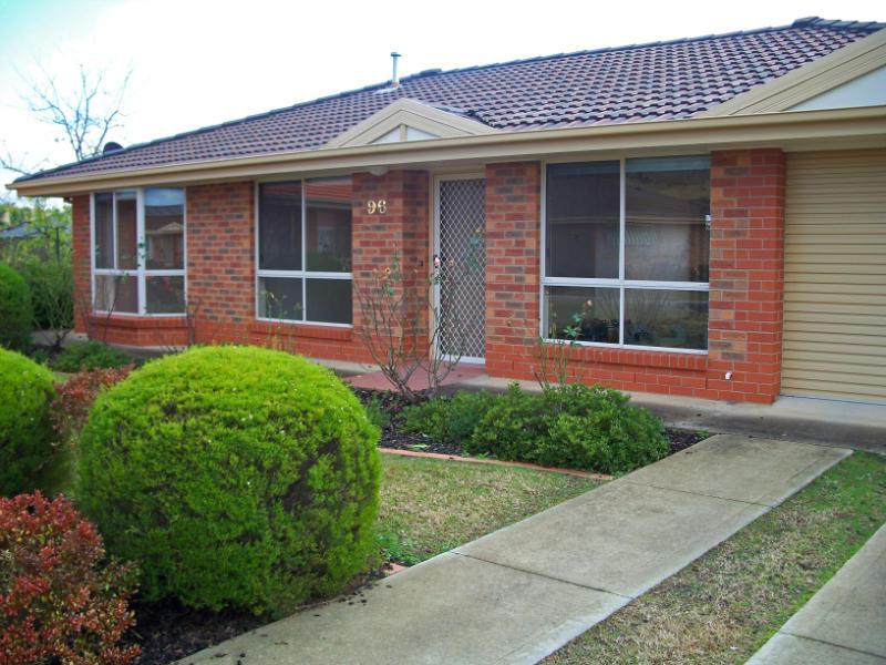 Unit 96, 36 Mountford Crescent, Albury, NSW 2640