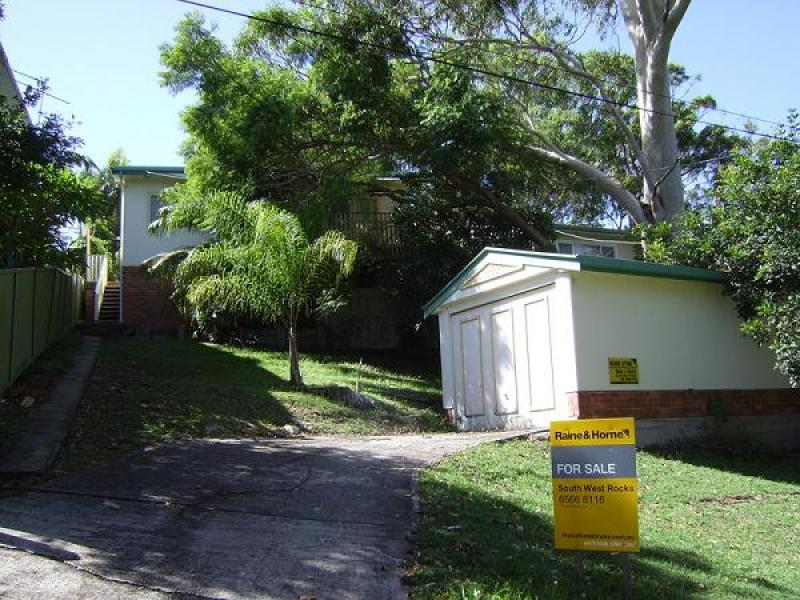 22 Elizabeth Street, South West Rocks, NSW 2431