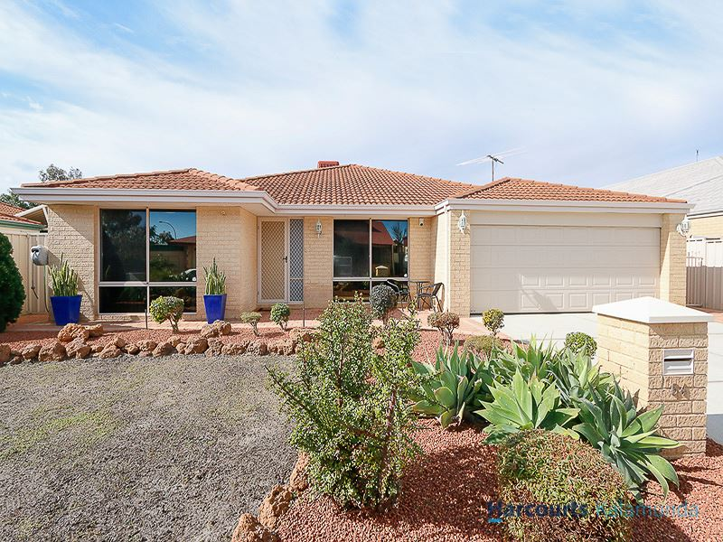 54 Fennel Crescent, Wattle Grove, WA 6107
