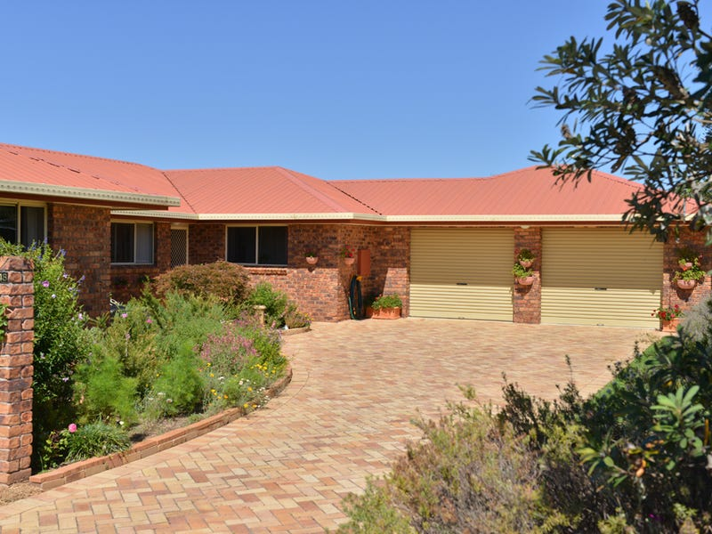 48 Duncan St, Tenterfield, NSW 2372