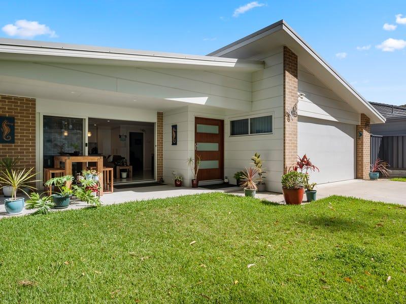 55 Mimiwali Drive, Bonville, NSW 2450
