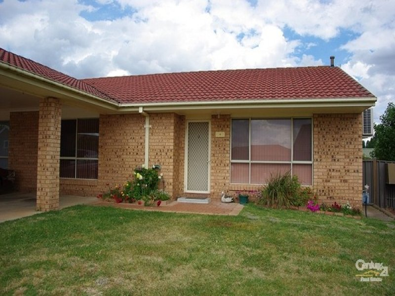 4 PARKSIDE PLACE, Goulburn, NSW 2580
