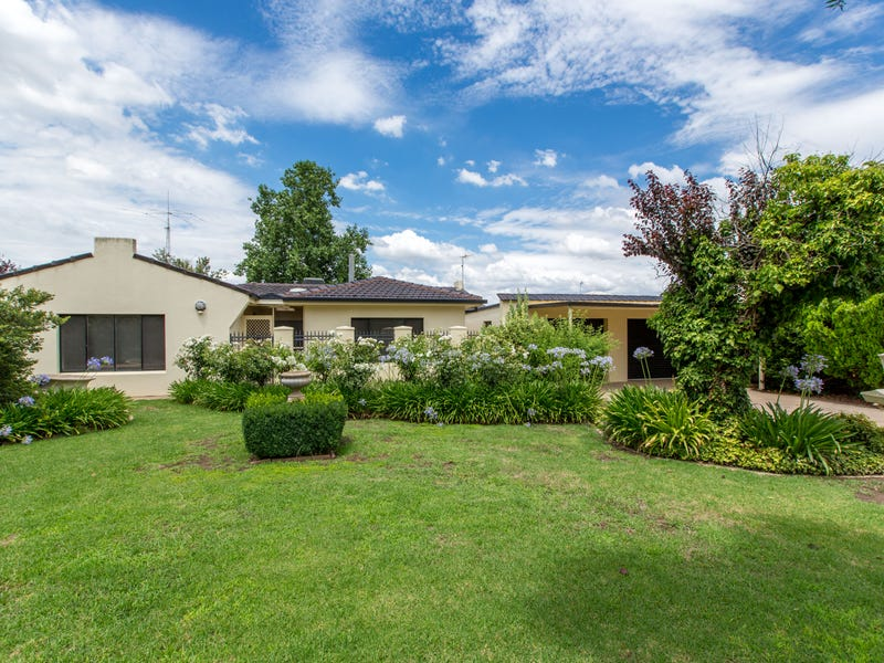 4 Taupo Drive, Lake Albert, NSW 2650