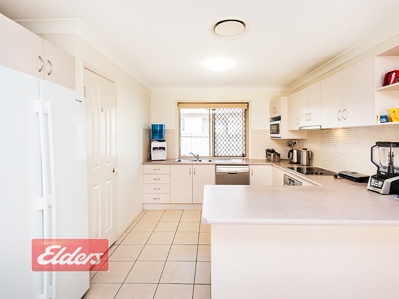 2 Golfgreen Terrace, Meadowbrook, Qld 4131