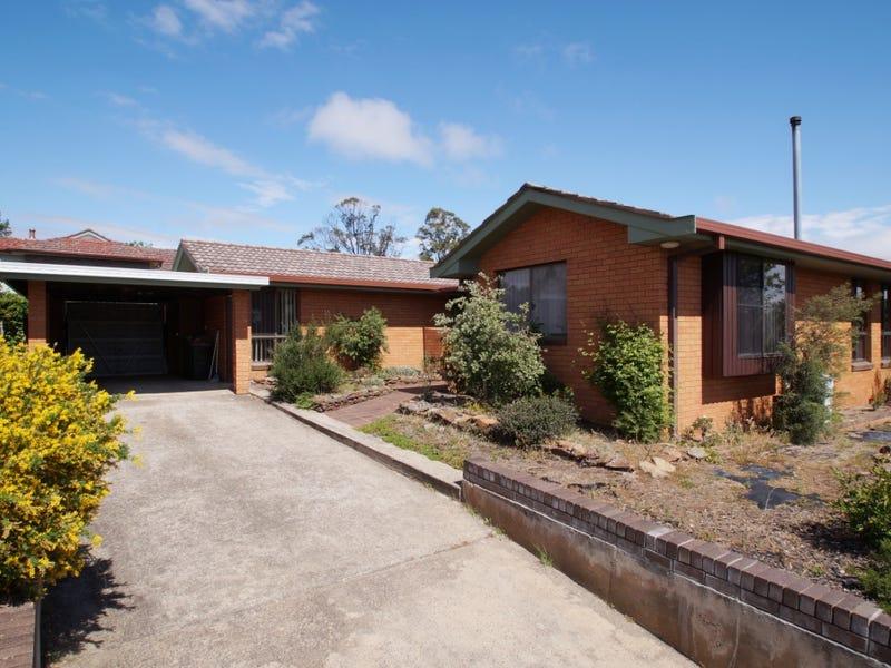 7 Hughes Place, Armidale, NSW 2350