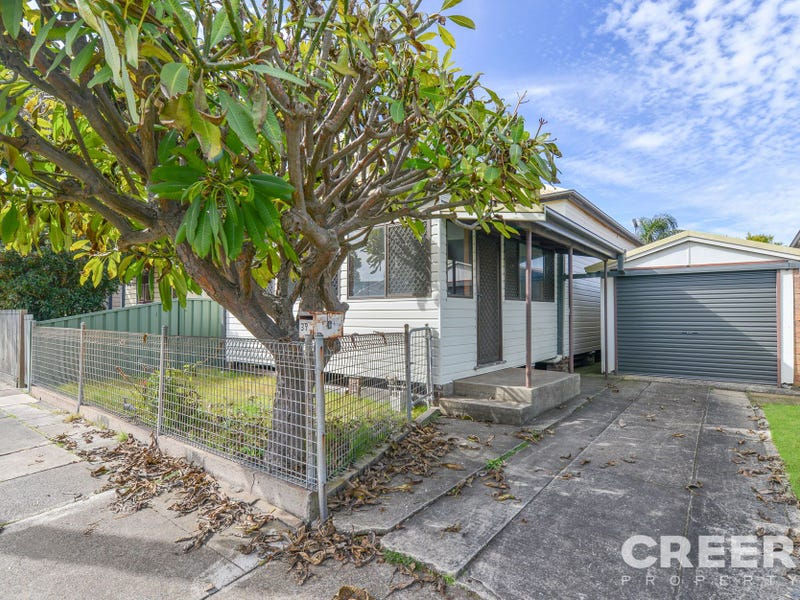 39 Smith Street, Mayfield East, NSW 2304