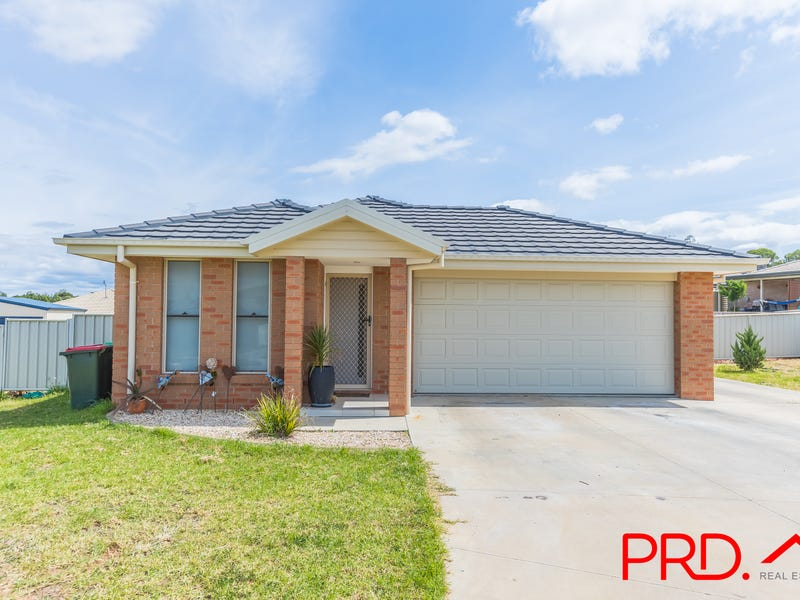 11/11a Lake Place, Tamworth, NSW 2340