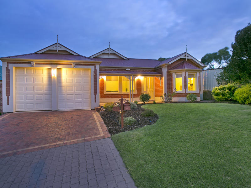 33 Parkway Avenue, Walkley Heights, SA 5098