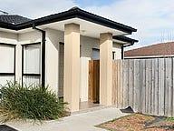 2/13 Nandina Road, Narre Warren, Vic 3805