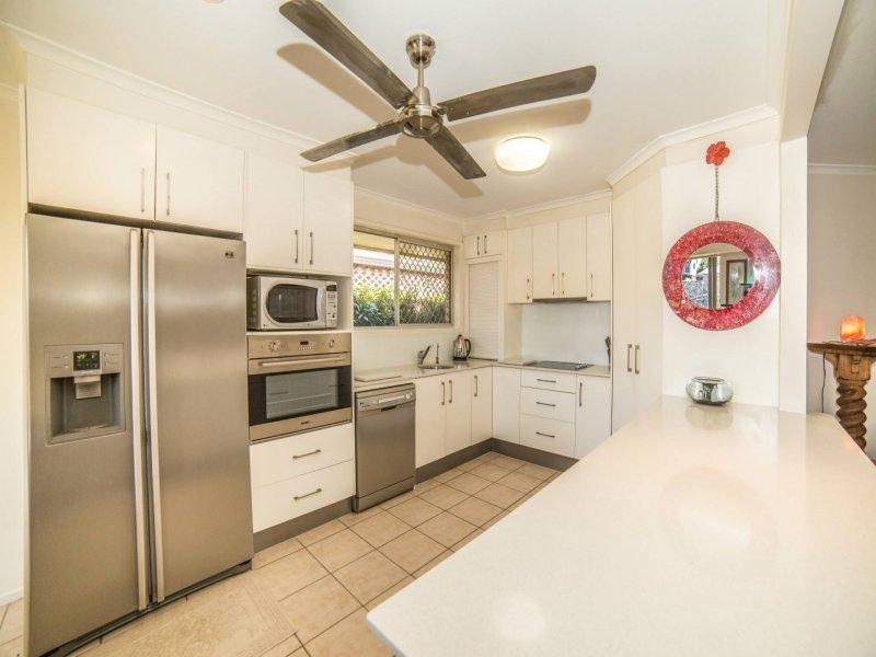 46 Aruma Avenue, Burleigh Waters, Qld 4220