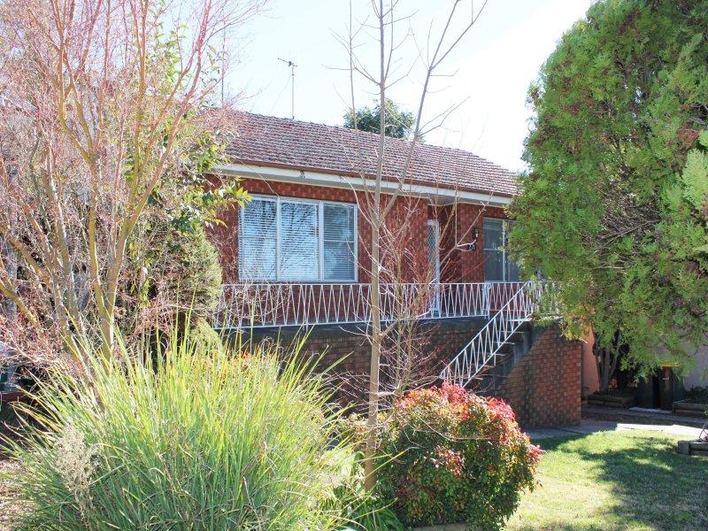 271 Bentinck Street, Bathurst, NSW 2795