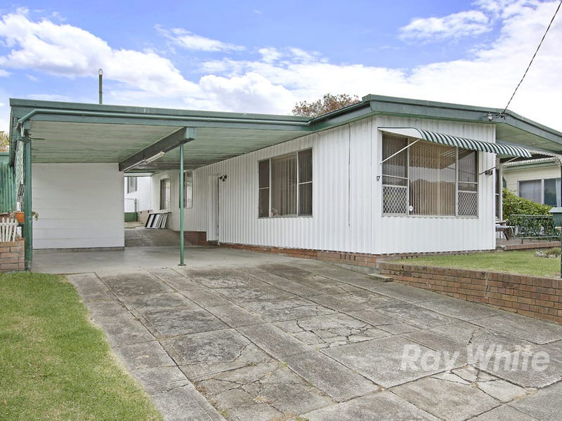 17 Prince Street, Fennell Bay, NSW 2283
