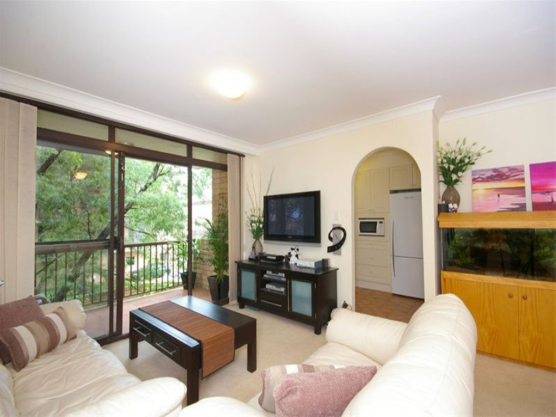 36/215-217 Pacific Highway, Hornsby, NSW 2077