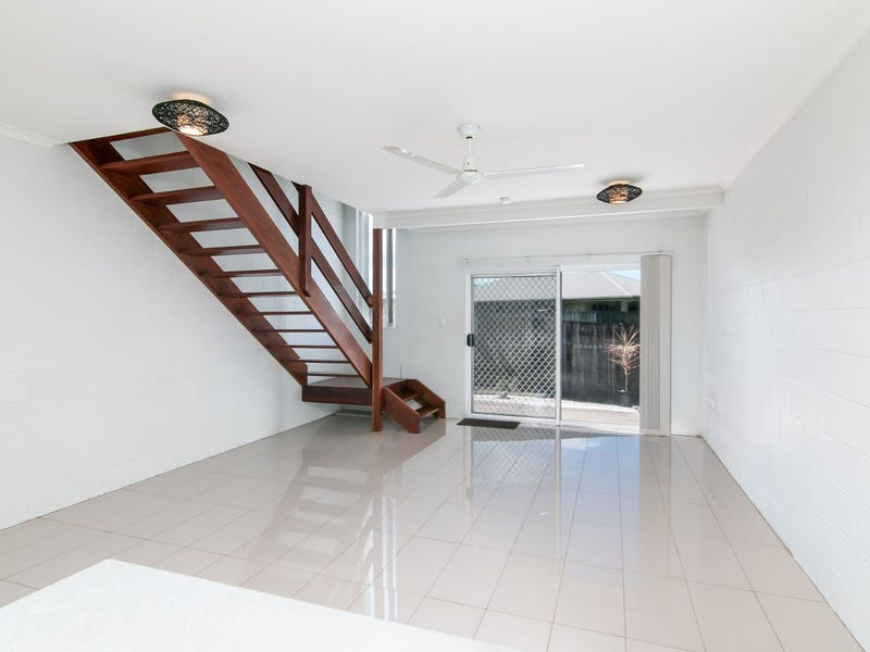 5/4 Atlantic Close, White Rock, Qld 4868