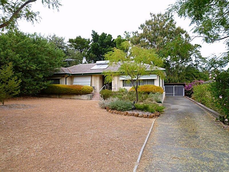 9 Currawong Crescent, Walliston, WA 6076