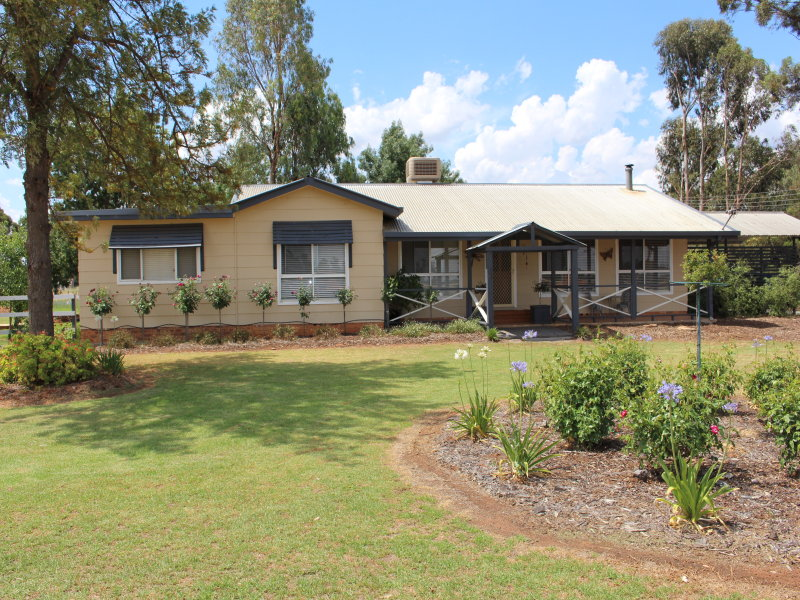 11 Merungle Hill Rd, Leeton, NSW 2705