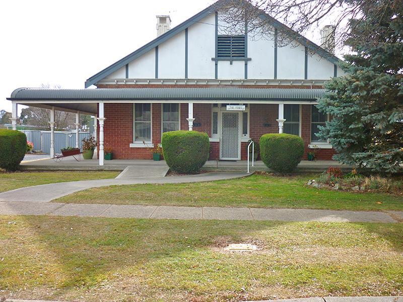 41 Ogilvy St, Blayney, NSW 2799