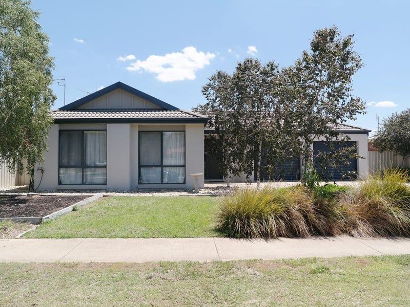 12 Glencoe Boulevard, Moama, NSW 2731