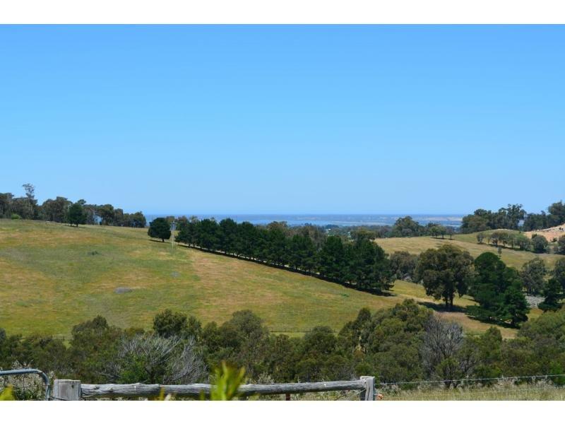 5 Pheasant Track, Granite Rock, Vic 3875