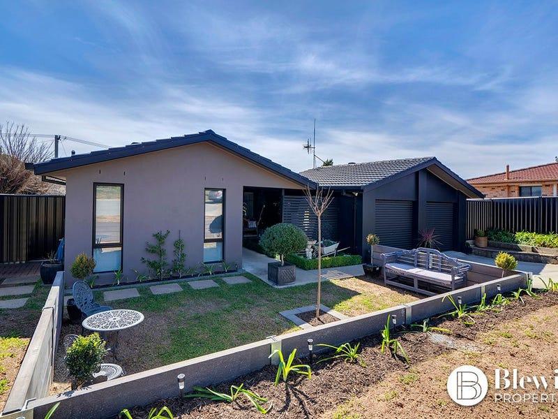 13 Carumbi Place, Isabella Plains, ACT 2905