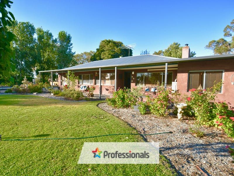 98 Lake Clifton Road, Lake Clifton, WA 6215