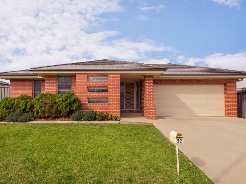 92 Ava Avenue, Thurgoona, NSW 2640