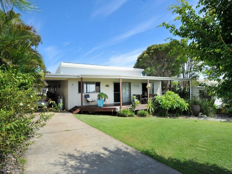 37 Arrawarra Road, Arrawarra Headland, NSW 2456