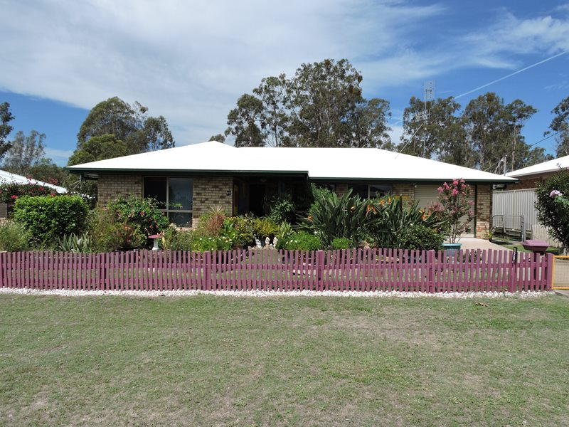 20 Burns Crescent, Wondai, Qld 4606