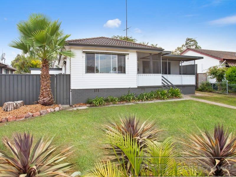 4 Burnham Close, Thornton, NSW 2322