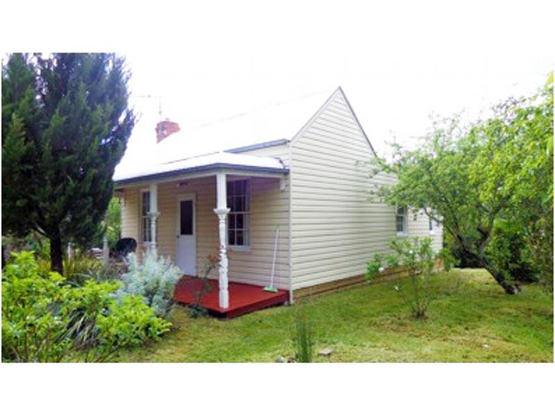 70 Linton Carngham Road, Linton, Vic 3360