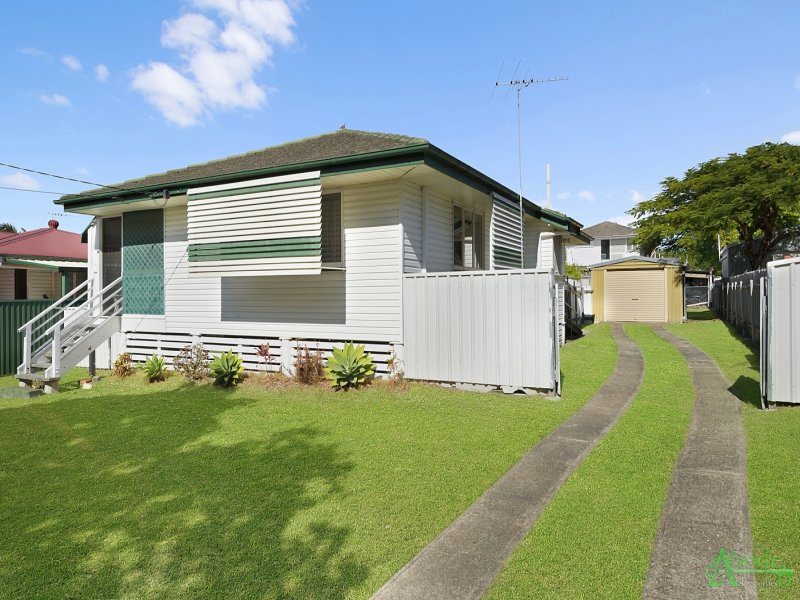 19 Henzell Street, Redcliffe, Qld 4020