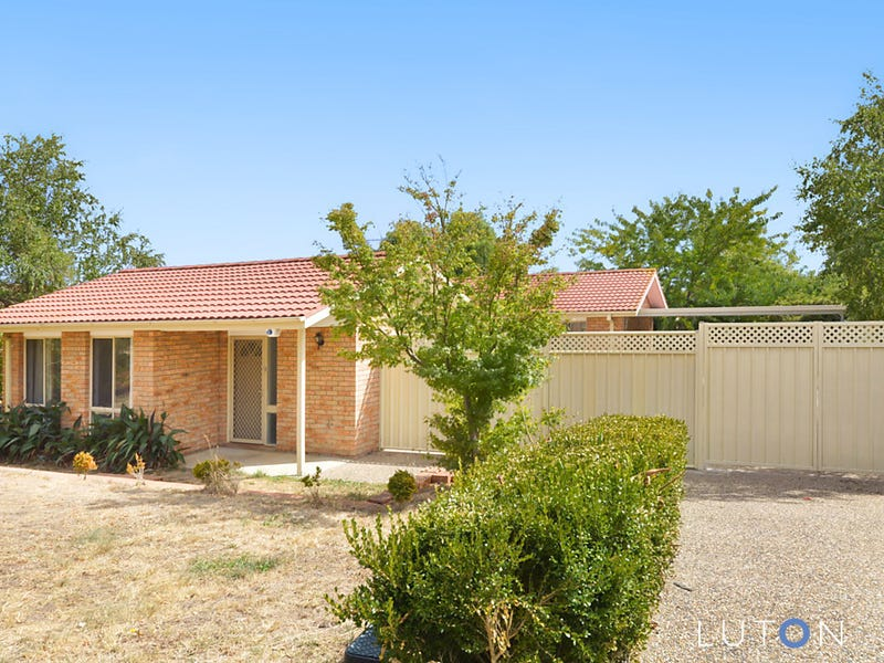 15 Ironbark Crescent, Banks, ACT 2906