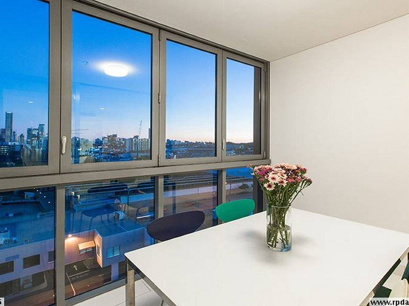Apartment 2076/16 Hamilton Place, Bowen Hills, Qld 4006