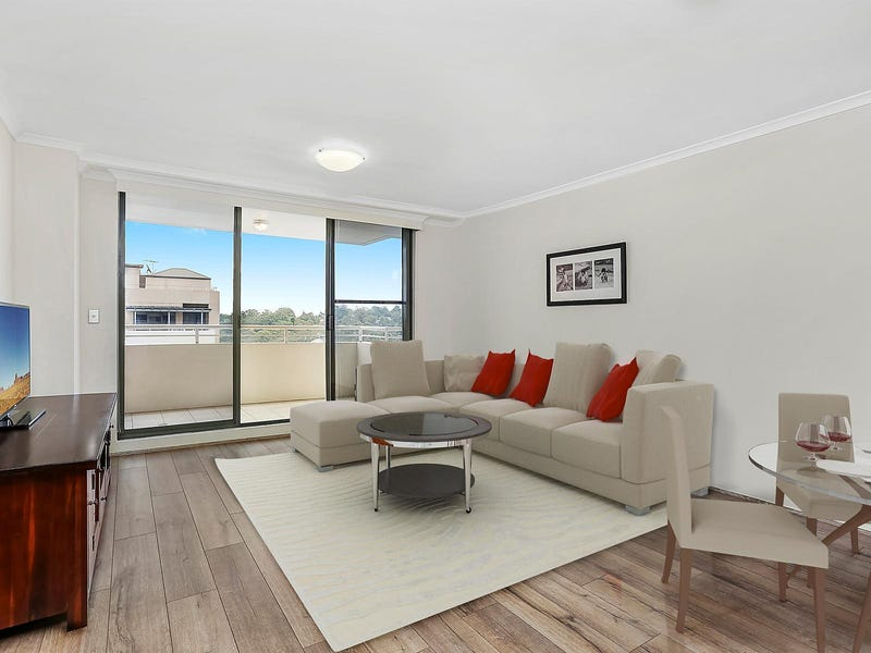 52/121 Pacific Highway, Hornsby, NSW 2077