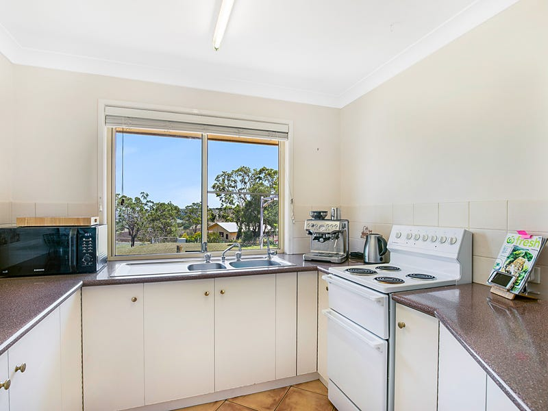 21 Junction Drive, Gowrie Junction, Qld 4352