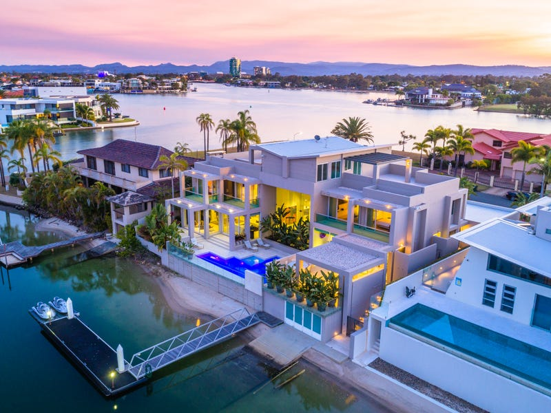 122 Commodore Drive, Paradise Waters, Qld 4217