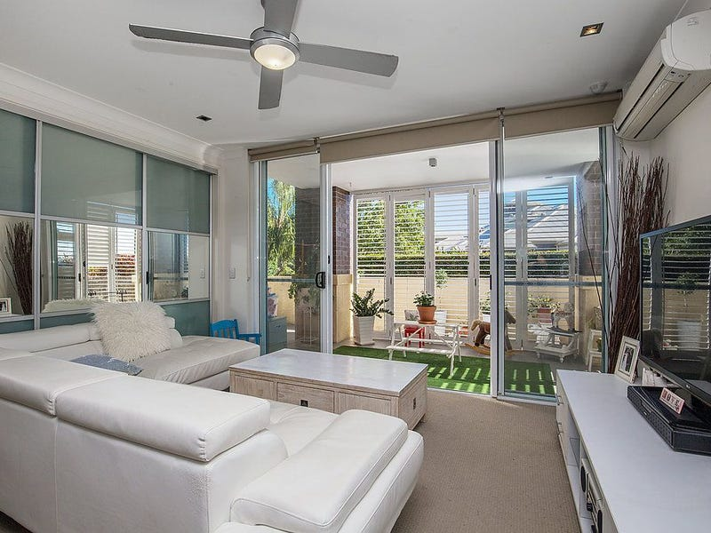4006/3027 The Boulevard, Carrara, Qld 4211