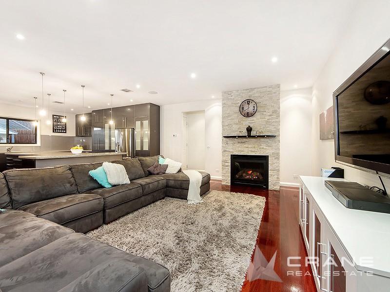 16 Cullen Terrace, Caroline Springs, Vic 3023