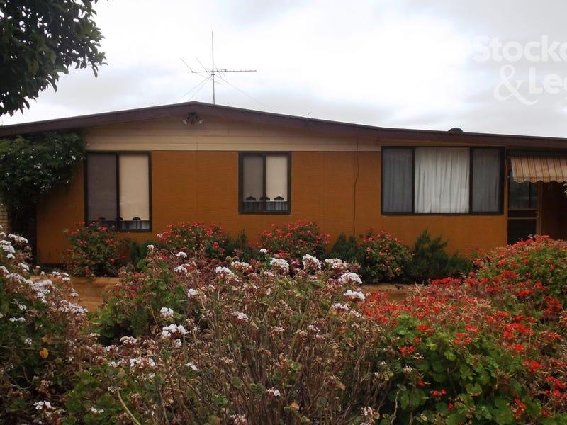 8 Fleming Drive, Corowa, NSW 2646