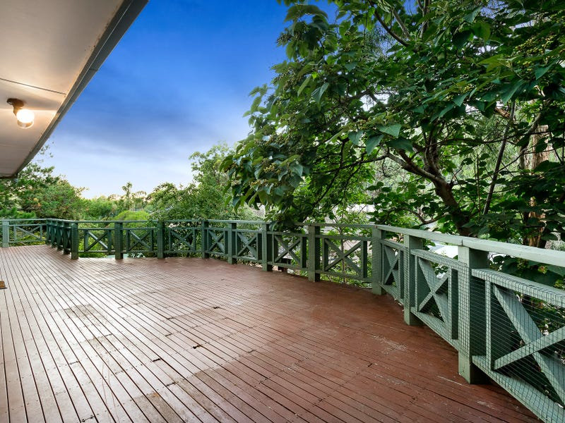 22 Haleys Gully Road, Hurstbridge, Vic 3099