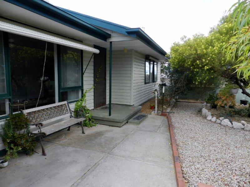 24 Bay Road, Streaky Bay, SA 5680