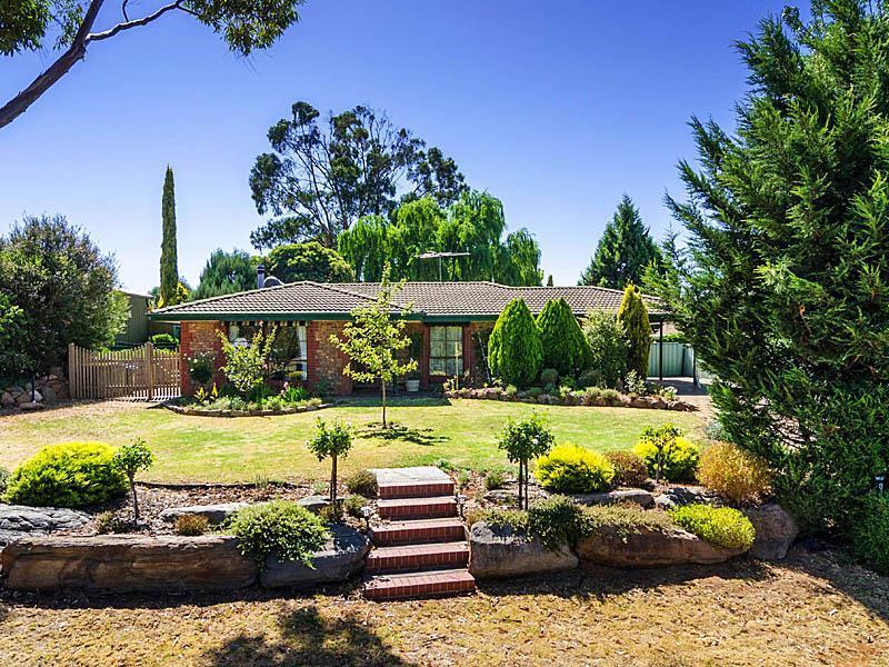 3 Lewis Avenue, Mount Barker, SA 5251