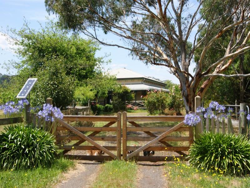 **UNDER CONTRACT*450 Church Road, Hazelwood North, Vic 3840