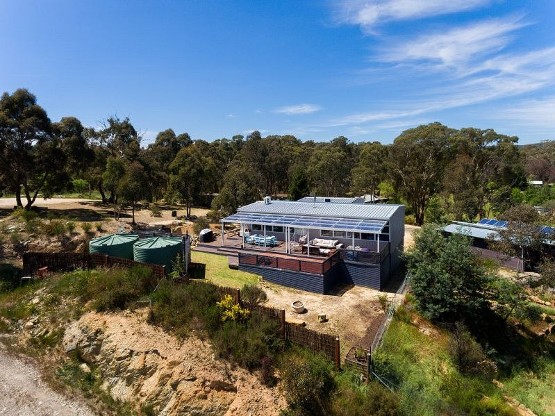 17 Browns Ave, Chewton, Vic 3451