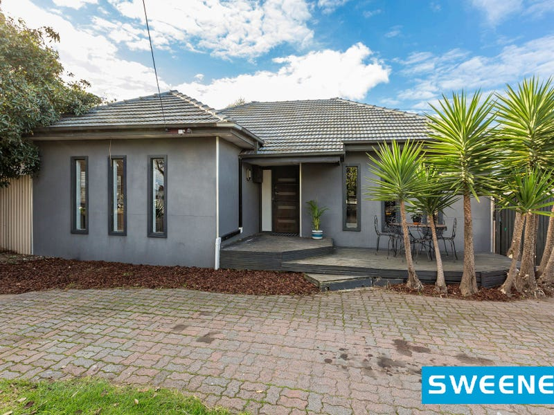 40 Seventh Avenue, Altona North, Vic 3025