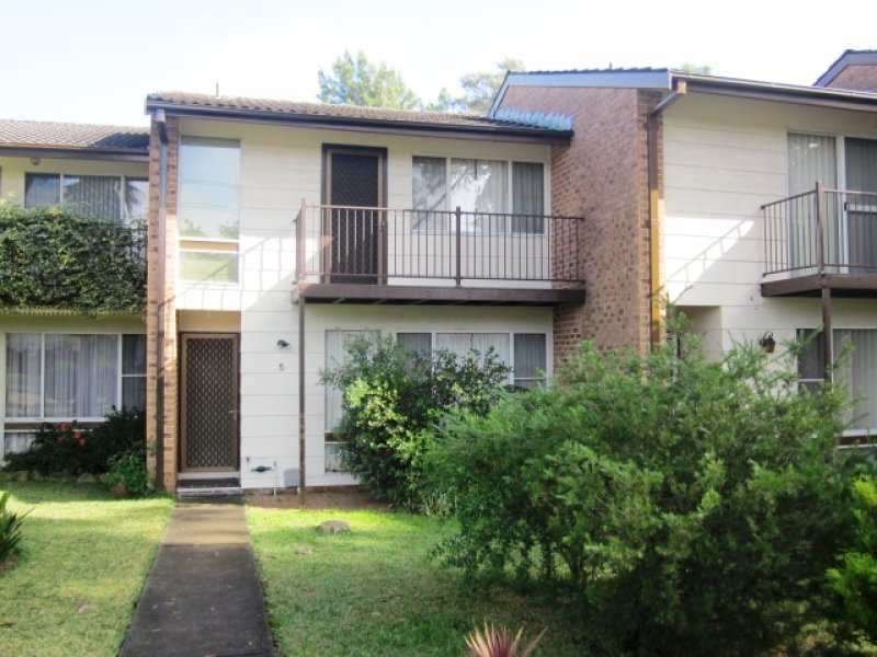 5/15 Hosking Cres, Glenfield, NSW 2167