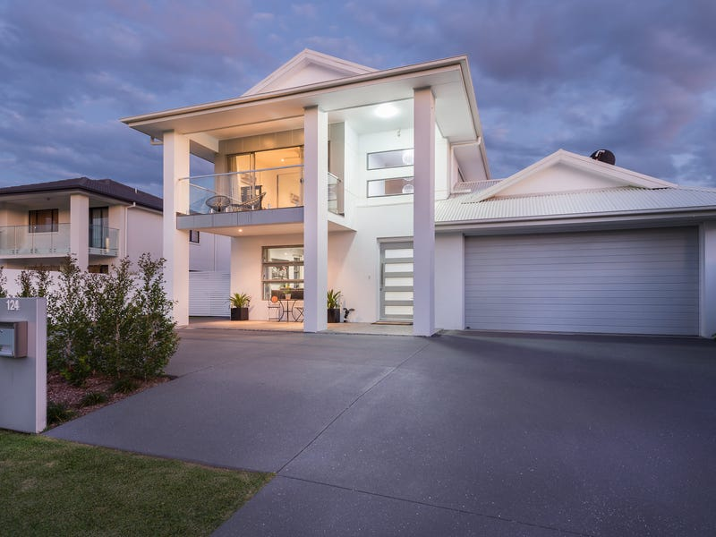 124 The Peninsula, Helensvale, Qld 4212