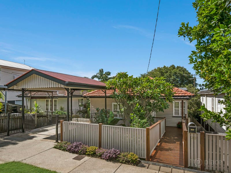 33 Tenth Avenue, Windsor, Qld 4030