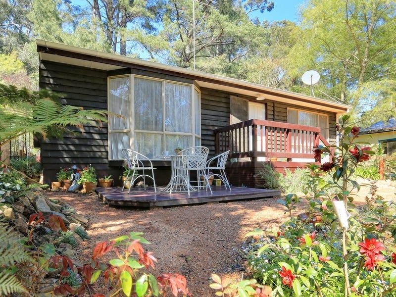 15 Alexander Road, Cockatoo, Vic 3781