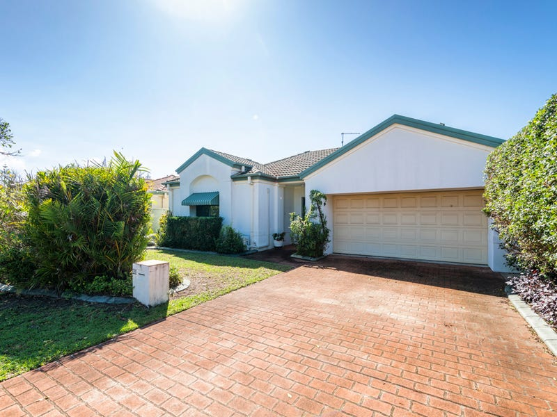 21 BEACHSIDE WAY, Yamba, NSW 2464